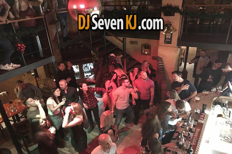 Dj-na-vanocni-vecirek-karaoke